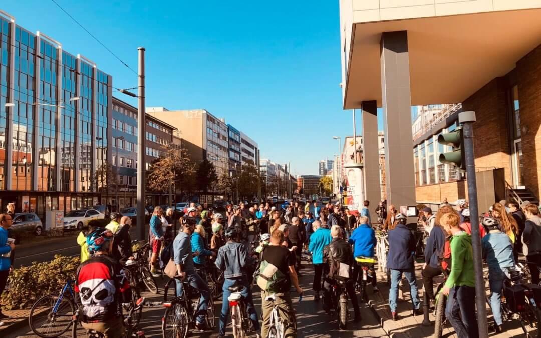 Mahnkorso – Trauerfahrt für getötete Frankfurter Radfahrer