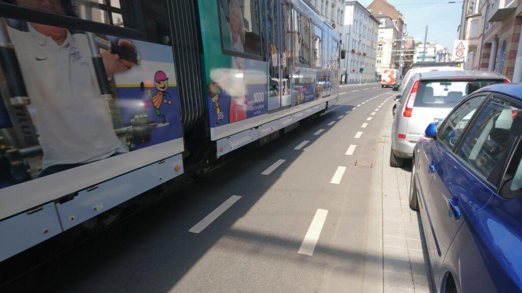 Eckenheimer Landstraße, schlechter Radweg